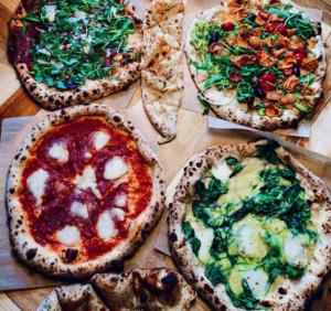 leckere Pizza im Brace da Anna in Frankfurt