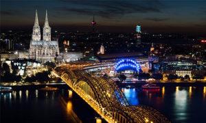 Köln bei Nacht, besuchen Sie das Dom Hotel Köln