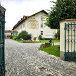 Linderhof Zufahrt 150x150