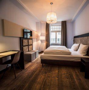 ihre Übernachtung in Köln im UHU Hotel
