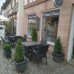 Sitzplätze aussen Oscars Pizza Restaurant Pizzeria Herzogenaurach www.schlemmerbox24.de  150x150